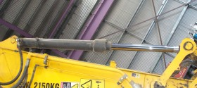 31. Hydraulic Cylinder repairs and rebuilds, Hardchrome Rods also