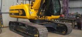 36.Excavator Repairs & Painting
